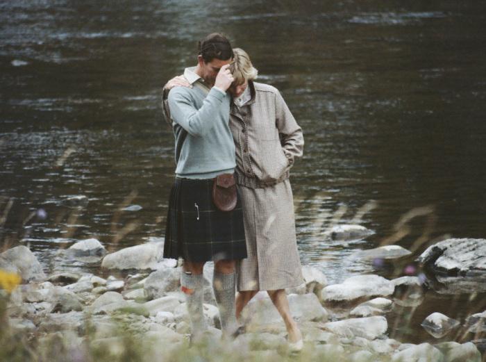 Чарльз и Диана во время медового месяца в Балморале, Шотландия, 19 августа 1981 года