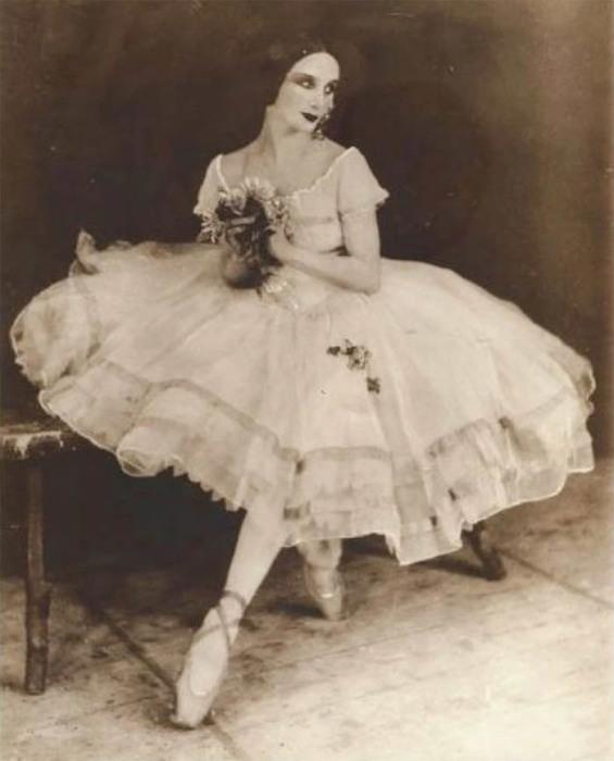 Анна Павлова в балетной пачке