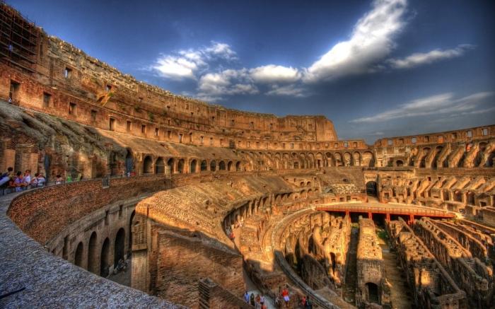 Стены Колизея до сих пор поражают своим величием