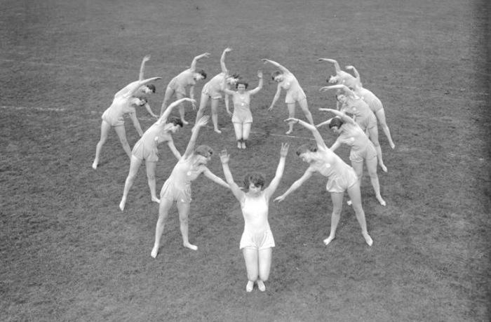 Ганновер, занятие женской школы гимнастики Logis, июнь 1929 года