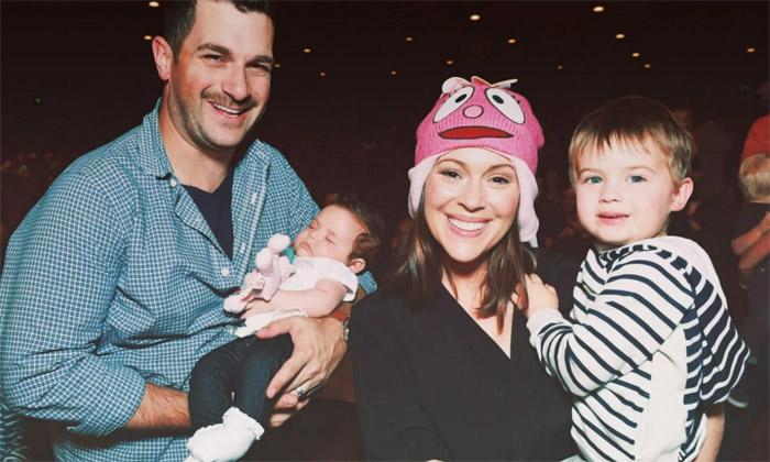 Алисса Милано с семьей
