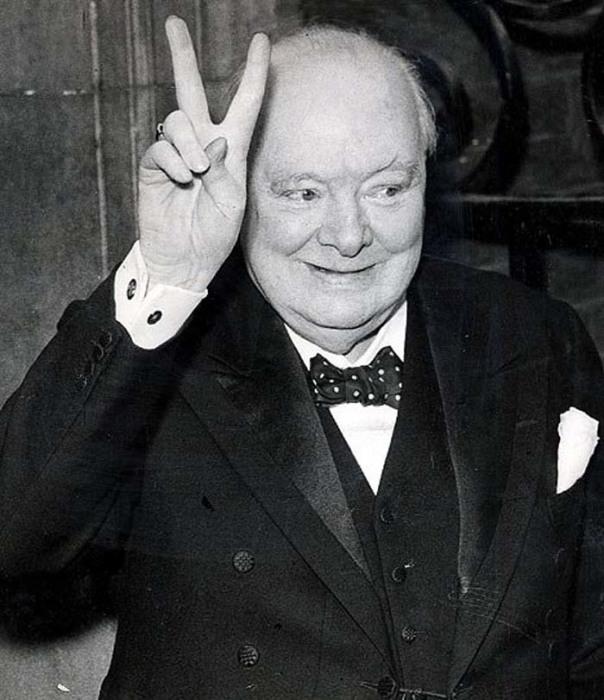 Уинстона Черчилля трудно заподозрить в искрометном юморе, но порой он его демонстрировал
