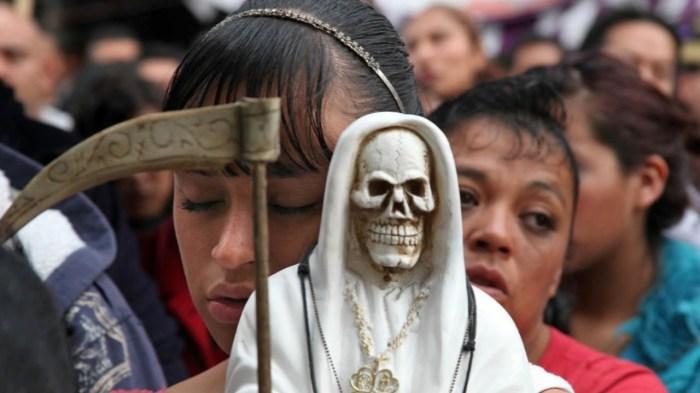 Современный мир старается быть толерантным ко всем проявлениям веры, однако культ смерти вызывает тревогу у многих людей.