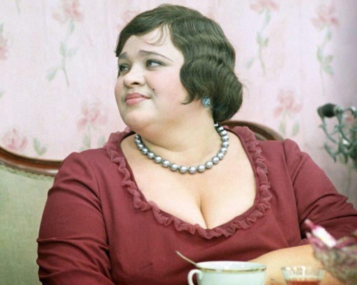 Наталья Крачковская в роли мадам Грицацуевой в фильме «12 стульев», 1971 год
