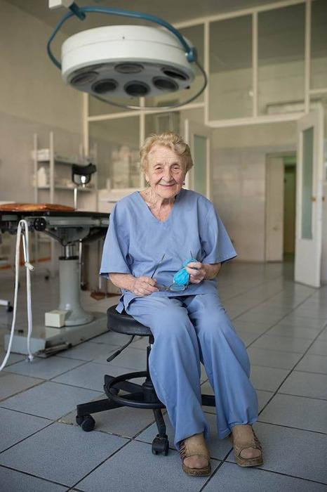 Алла Ильинична Лёвушкина – старейший практикующий хирург в России