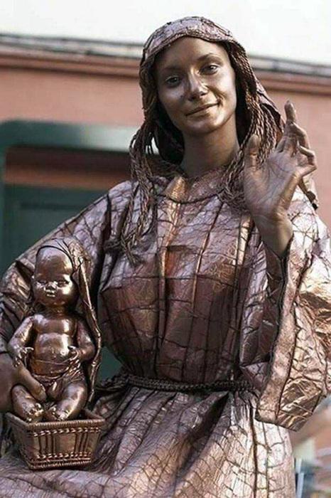Изображать живые скульптуры первыми придумали актеры из Латинской Америки примерно в середине XX века