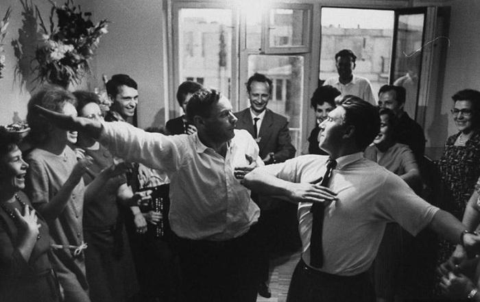 Праздник в новой квартире, 1963 год, Стэн Вейман (Stan Wayman)