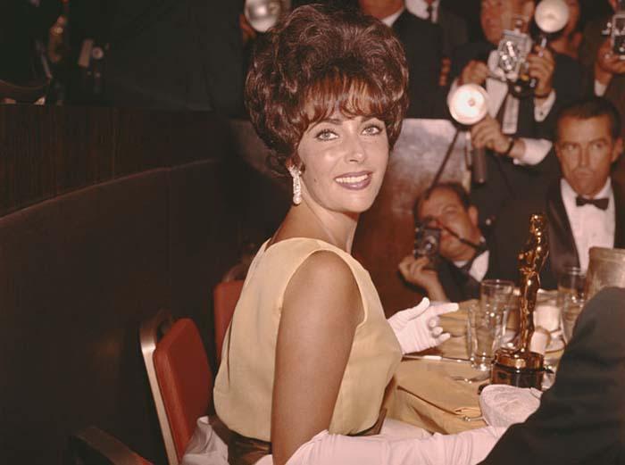 Элизабет Тейлор на вручении кинопремии «Оскар», 1961 год