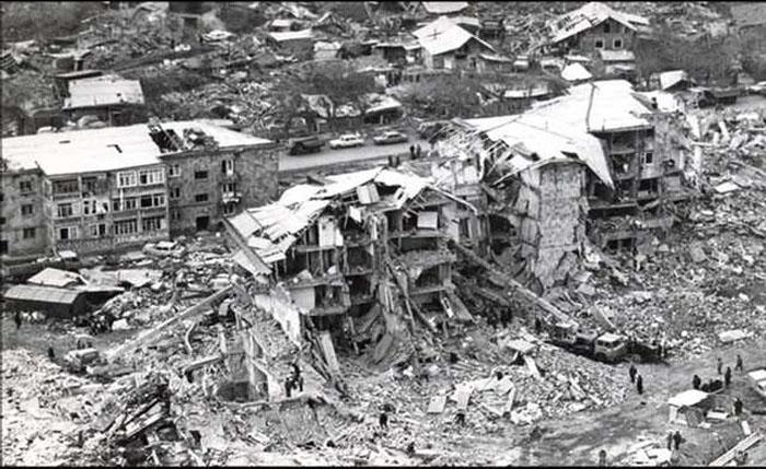 Спитак после землетрясения 7 декабря 1988 года