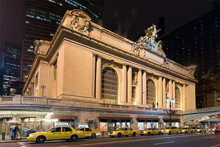 Центральный вокзал (Grand Central Terminal) — старейший и известнейший вокзал Нью-Йорка