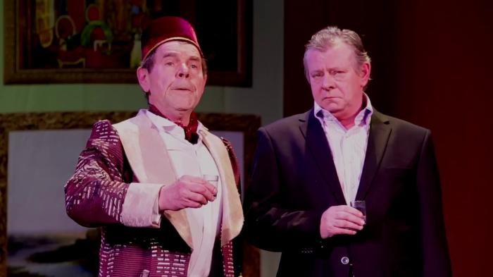 Алексей Булдаков в одной из последних своих театральных ролей  в спектакле «Три желания антиквара, или Дурь богатого козла»