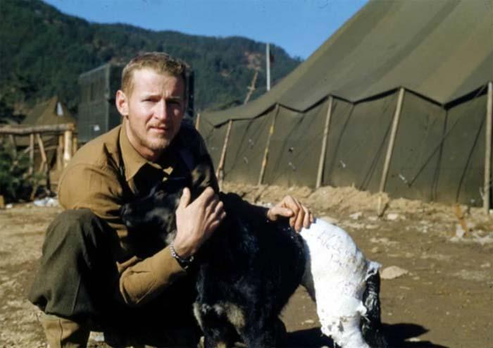 Фрэнк Прейтон – военный корреспондент, который прославился благодаря своей любви к животным