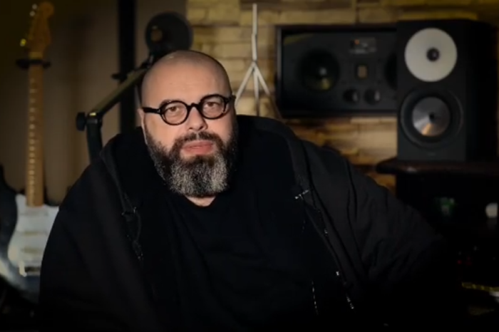 Максим Фадеев - советский и российский композитор, музыкальный продюсер, автор-исполнитель, аранжировщик, режиссер и актер.
