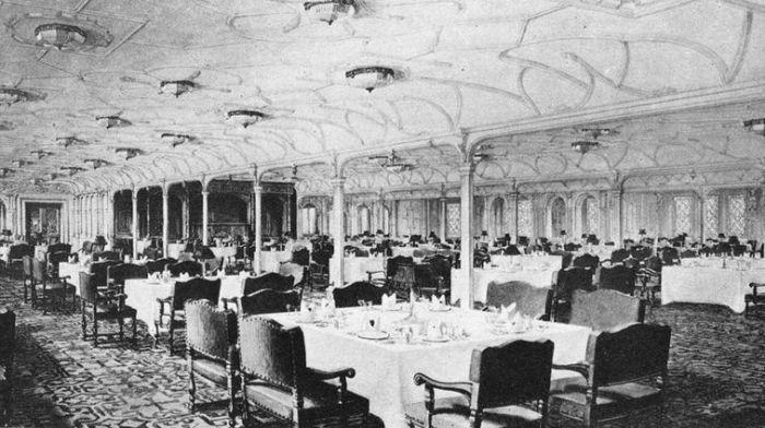 Обеденный зал 1 класса на Титанике