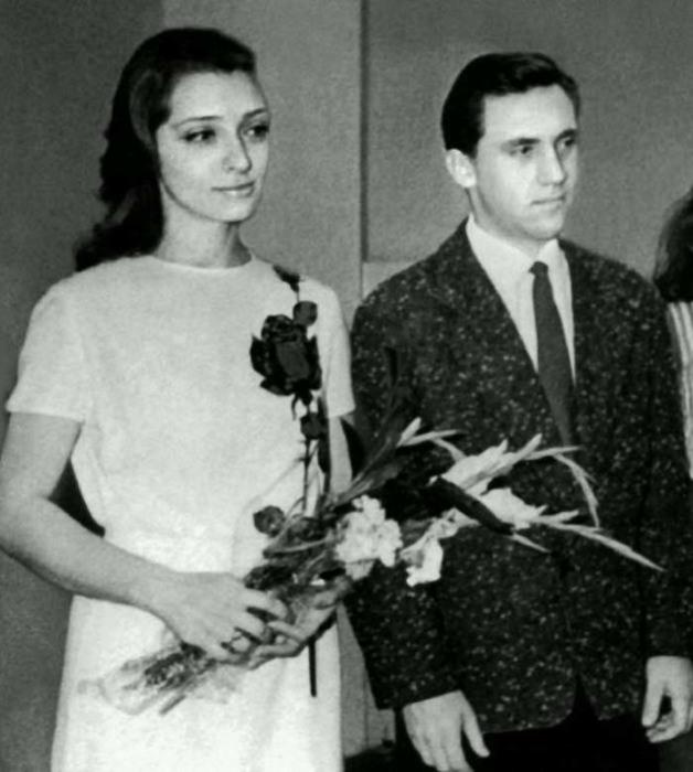 К моменту бракосочетания у Людмилы Абрамовой и Владимира Высоцкого уже было двое сыновей