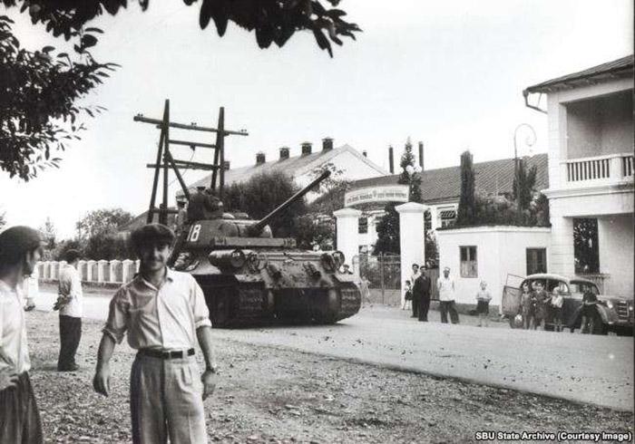 Советский танк Т-34-85 в Одессе