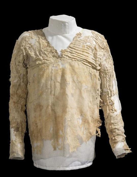 «Платье ТарÑан» пролежало в гробнице 5 тысяч лет