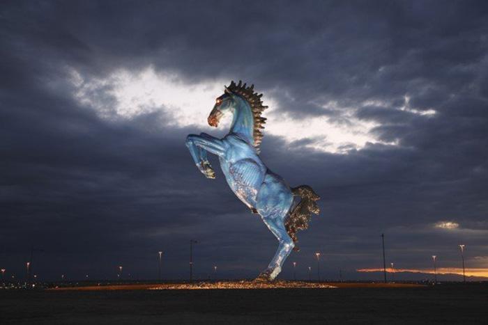 «Синий мустанг», Денвер, США