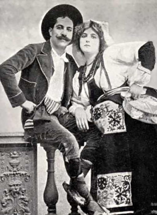 Открытка с фотографией нашумевшей пары – бывшая княгиня де Караман-Шире и Риго Янчи