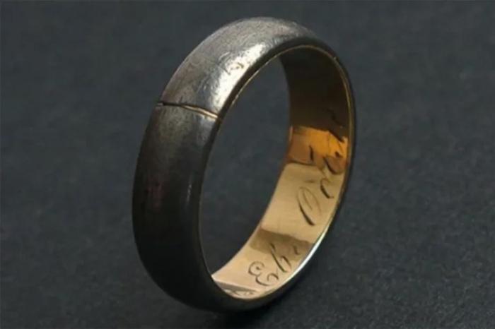 Кольцо Евгения Оболенского, снимок аукционного лота