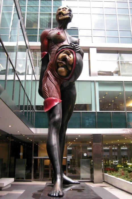 «Мать-девственница», Лондон