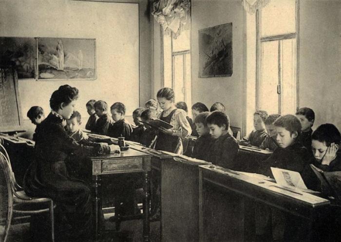 Заводская школа, г. Самара, около 1900 года