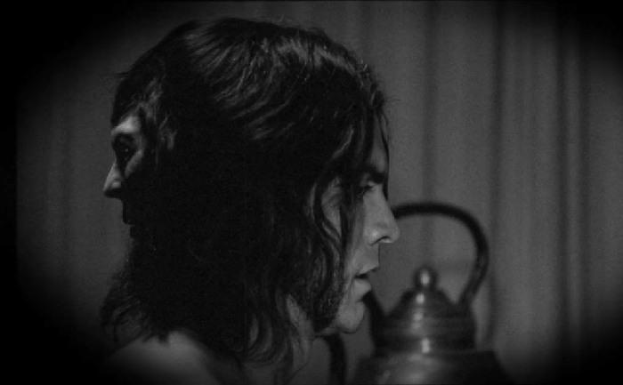 Эдвард Мордрейк в сериале «Американская история ужасов»