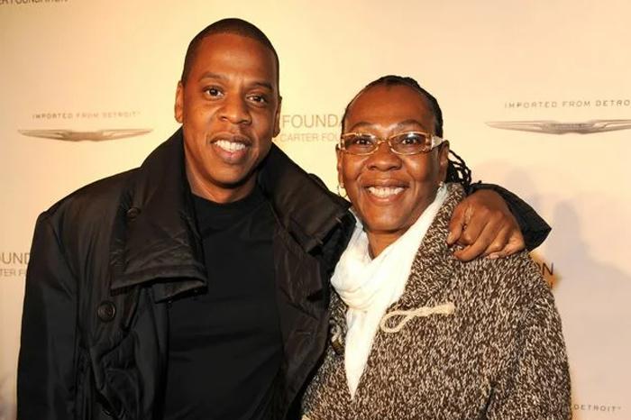 Самый богатый репер в мире Jay Z вместе со своей матерью