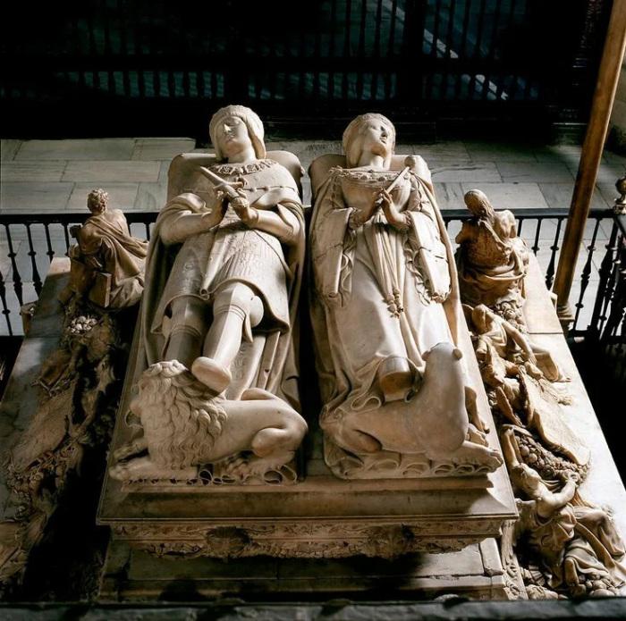 Похоронили Хуану рядом с мужем, в королевской усыпальнице в Гранаде