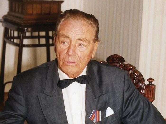 Эдуард Александрович Фальц-Фейн