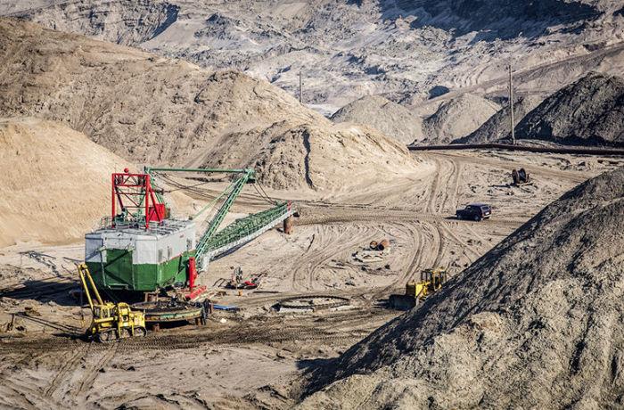 Крупнейший в мире открытый карьер по добыче янтаря находится в Калининграде