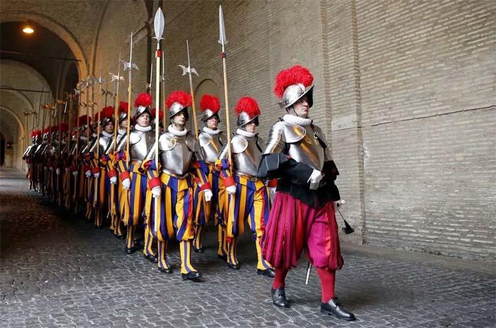 Пехотная когорта швейцарцев священной охраны Римского папы