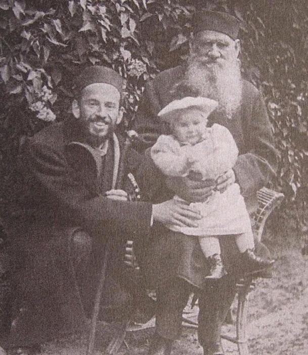 Три Льва Толстых: Лев Николаевич, Лев Львович и Лев Львович младший. 1899 год, Ясная Поляна