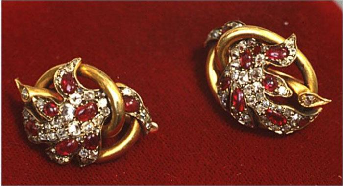 Раритет семьи князей Мещерских. Серьги с рубинами и бриллиантами, принадлежавшие Наталье Гончаровой