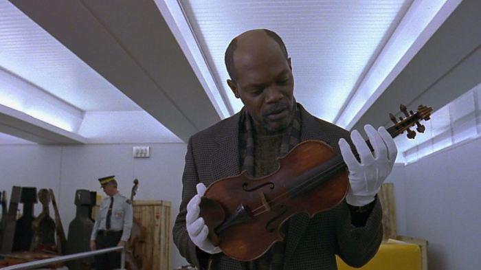 Кадр из фильма «Красная скрипка», 1998 год
