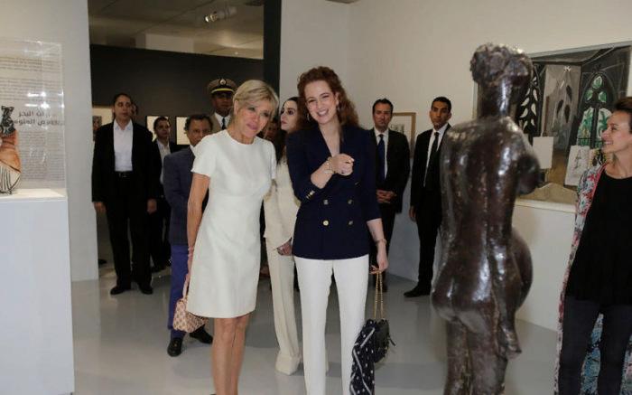 Первые леди Франции и Марокко на выставке авангардного искусства