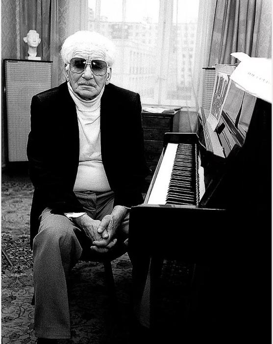 Александр Владимирович Варламов в середине 80-х годов