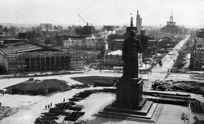 Создание скульптуры «Сталин» на ВСХВ, 1939 год