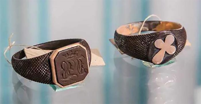 Кольца четы Волконских, хранящиеся в Иркутском музее