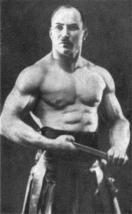 Молодой Александр Засс