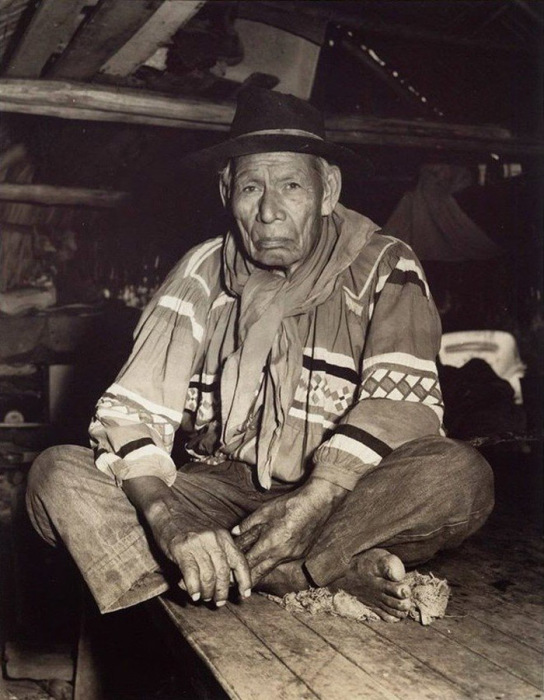Уникальные снимки индейского быта, сделанные Чарльзом Эббетсом, помогли коренным племенам Америки добиться улучшения своего положения