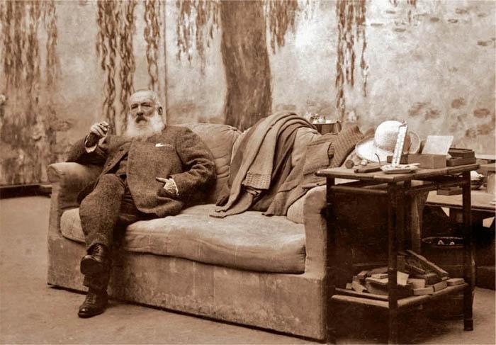 Клод Моне в своей мастерской, начало XX века