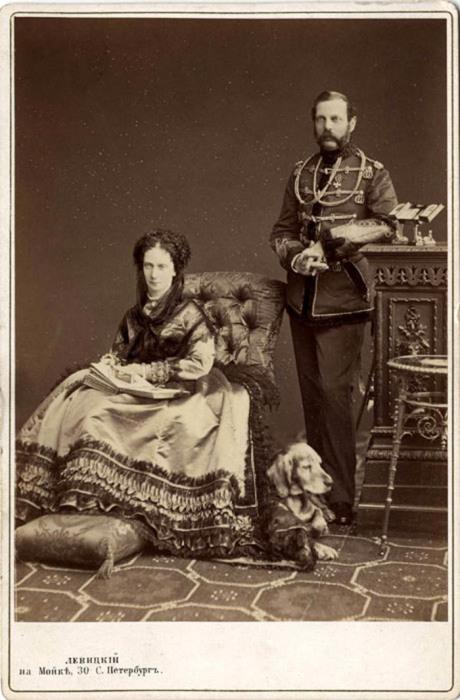 Императрица Мария Александровна с супругом Императором Александром II (фотография Левицкого)
