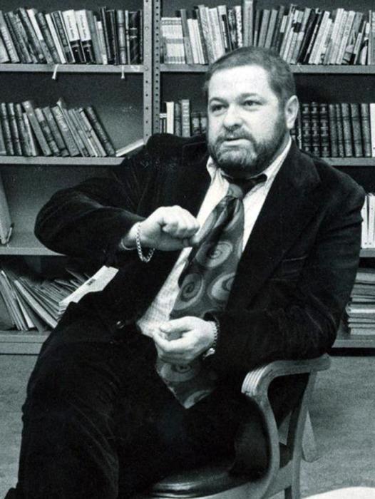 Юлиан Семенов, автор романа «Семнадцать мгновений весны» и автор сценария фильма