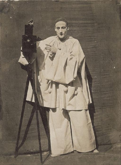 Надар. Фотография из серии Экспрессии Пьеро, 1854, Музей Орсе