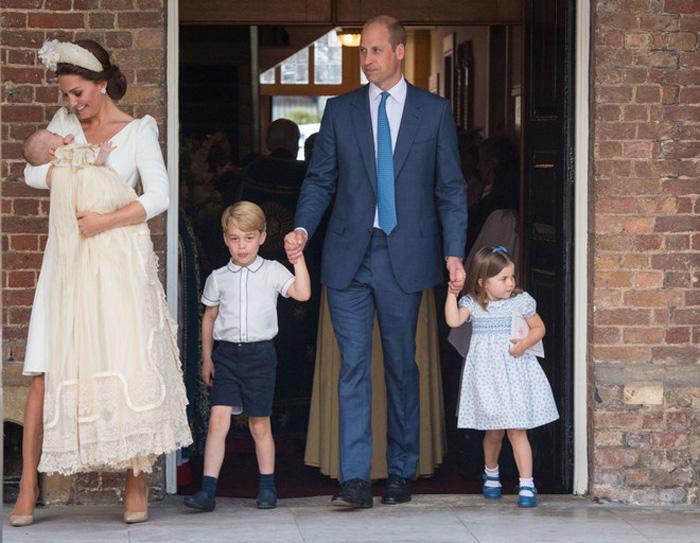 Правильная одежда – важная часть королевских традиций
