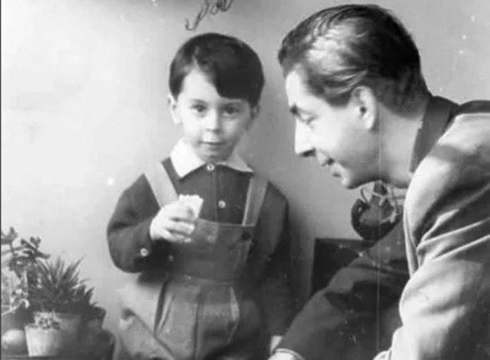 Карен вместе с отцом, Микаэлом Таривердиевым. Тбилиси, 1963 год