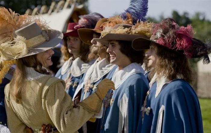 Мы не представляем себе мужественных героев прошлого без богато украшенных шляп