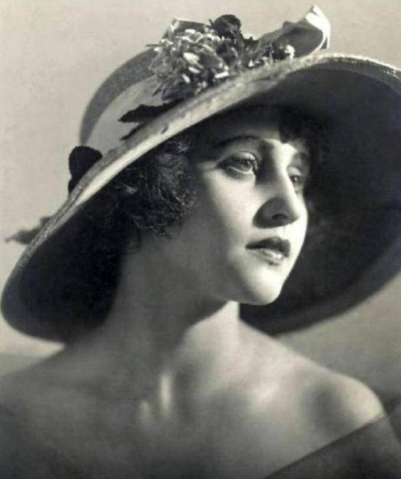 Вера Васильевна Холодная (1893-1919 гг.)