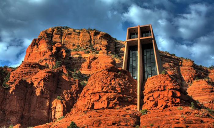 Часовня Chapel of the Holy Cross, США, Аризона, построена в 1956 году
